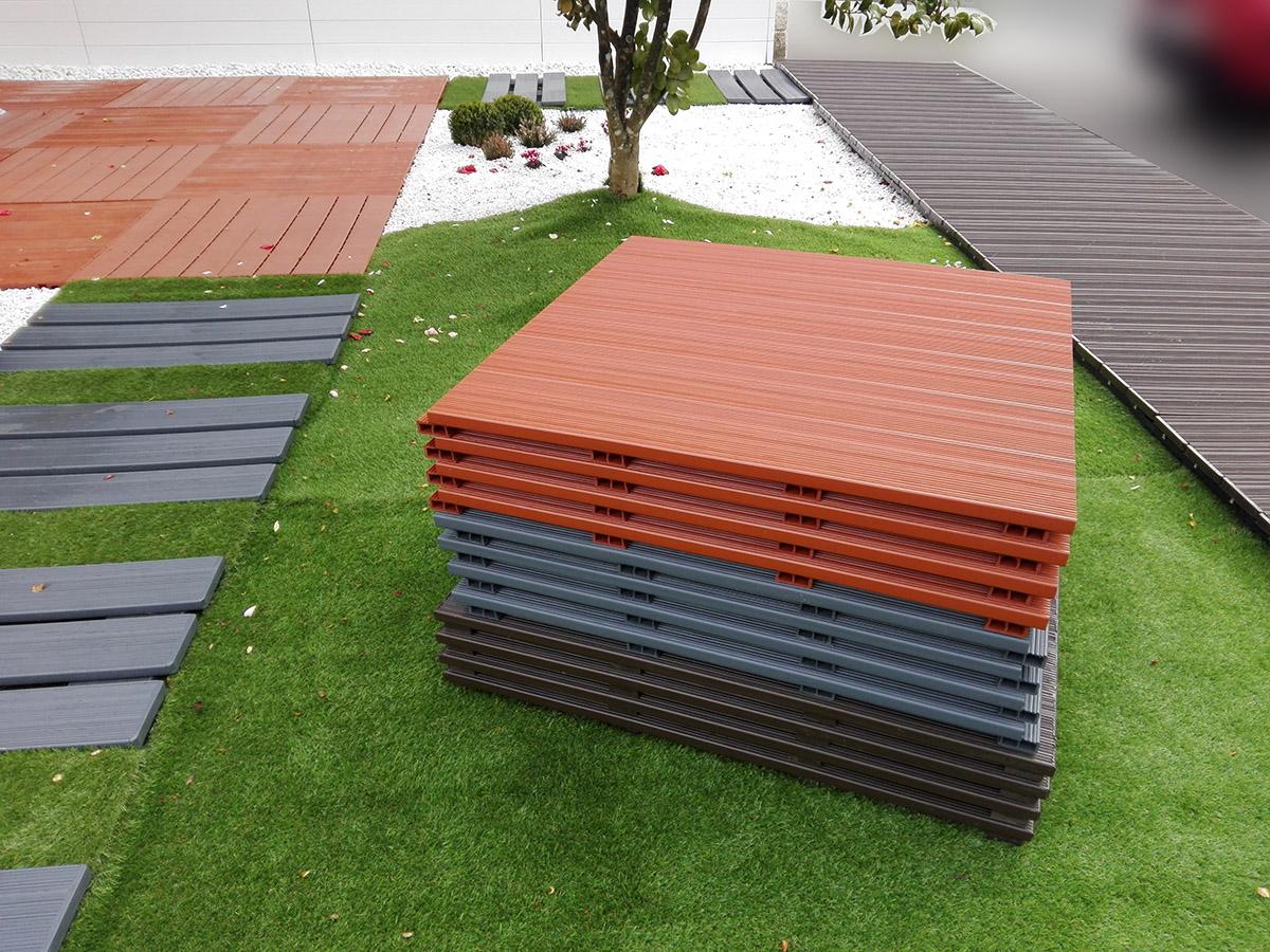 Baldosas de composite a medida suelos de pl stico para for Medidas de baldosas