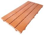 Loseta de plástico imitando madera de cedro