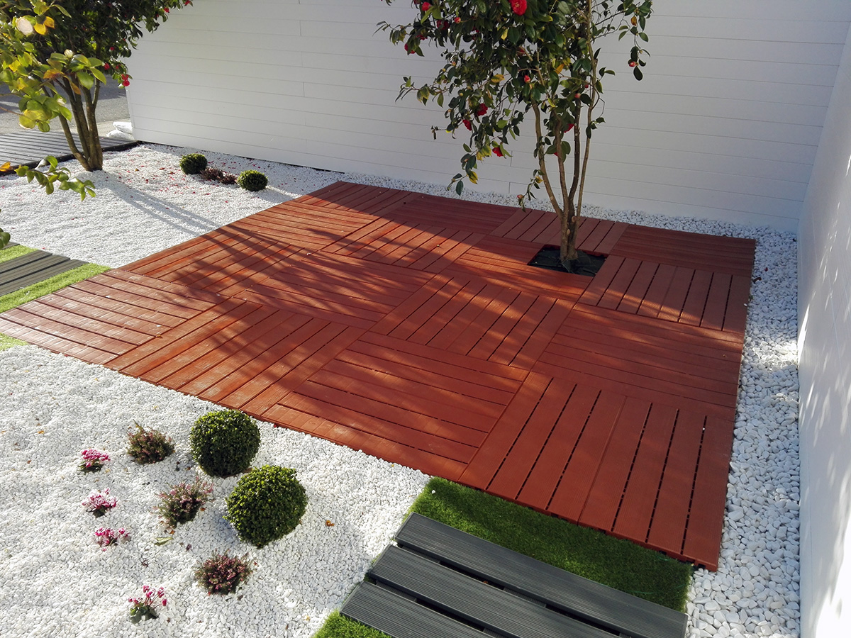 Losetas de madera plastica suelos de pl stico para uso for Losetas suelo exterior