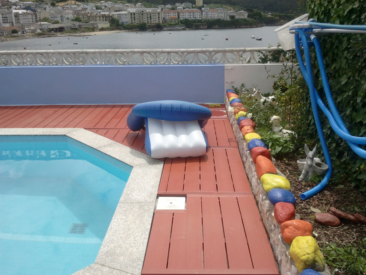 Tarima para piscinas beautiful tarima para piscinas with - Suelo exterior piscina ...