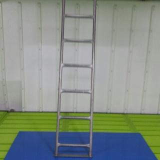 suelo de plastico reforzado en escotilla