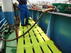 Tarima de composite fabricada a medida en barco