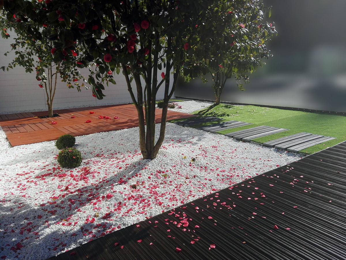 Baldosas de jardin disea tu terraza o jardn con un amplio - Baldosas de jardin ...