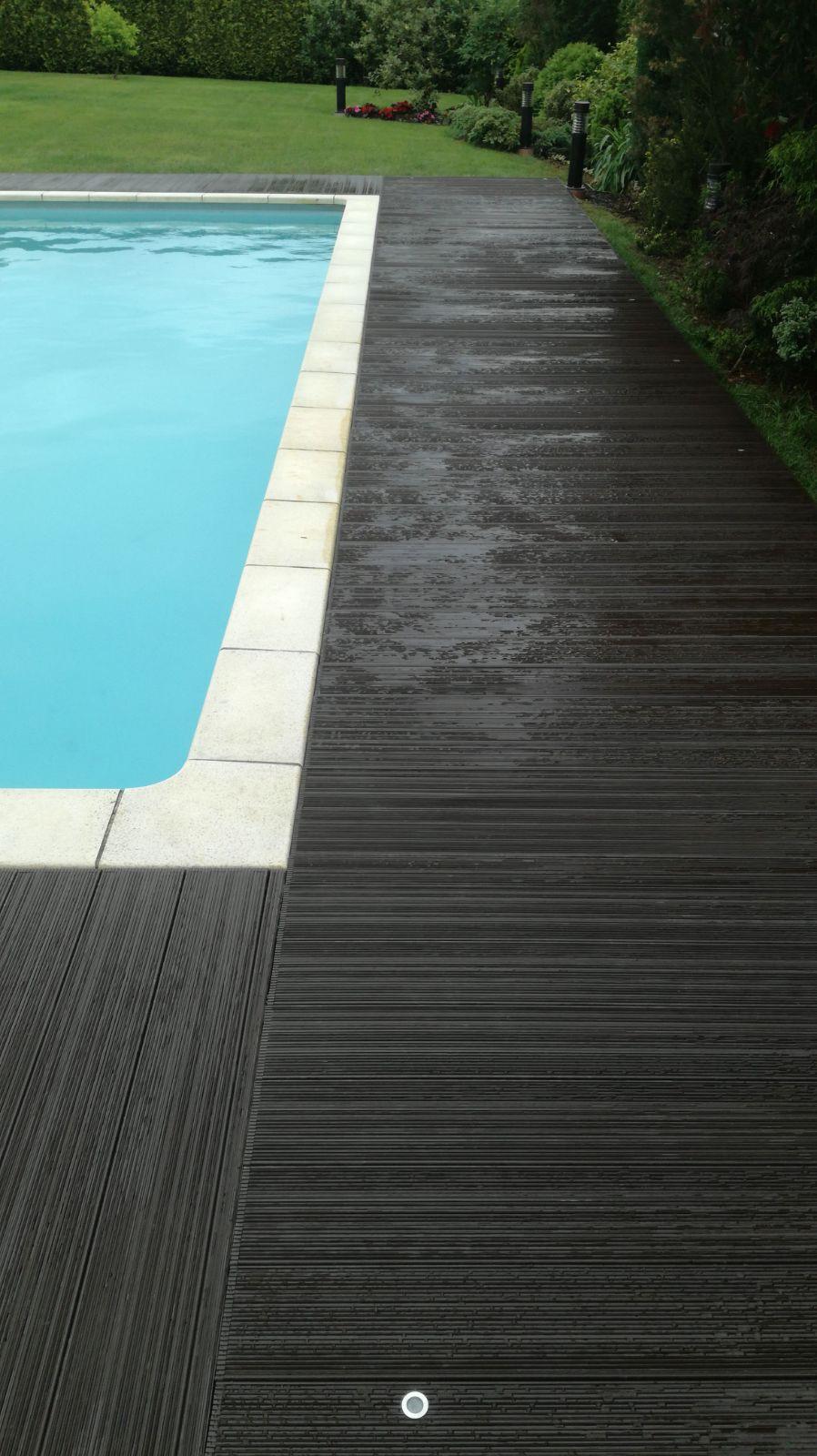 Suelo exterior piscina stunning bordes y suelos atrmicos for Suelo exterior piscina